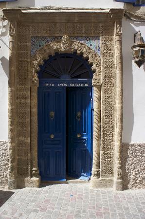 Ryad Lyon-Mogador: Entrance