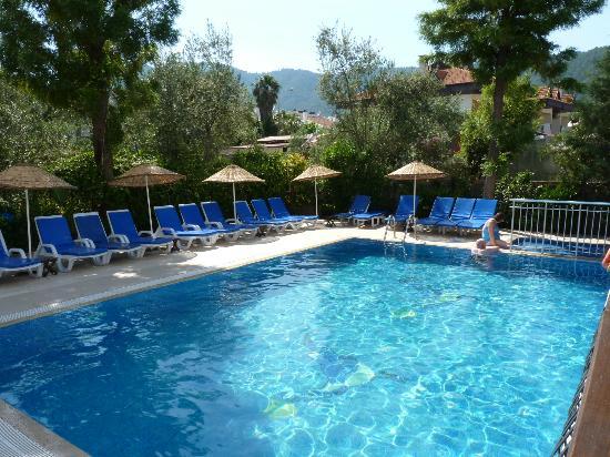Navy Hotel: Pool area