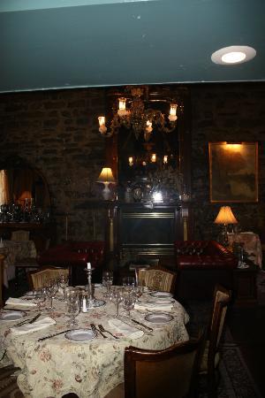 La Maison Pierre du Calvet: Dining area