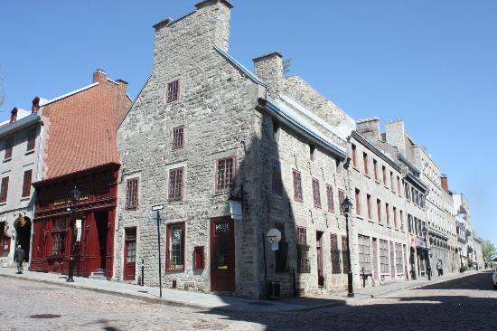 La Maison Pierre du Calvet: Pierre Du Calvet