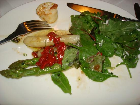 Schloss Aigen: Two sorts of asparagus