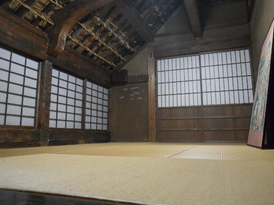 Hirosaki, Japan: りんご農家2階/新婚夫婦の部屋だったらしい
