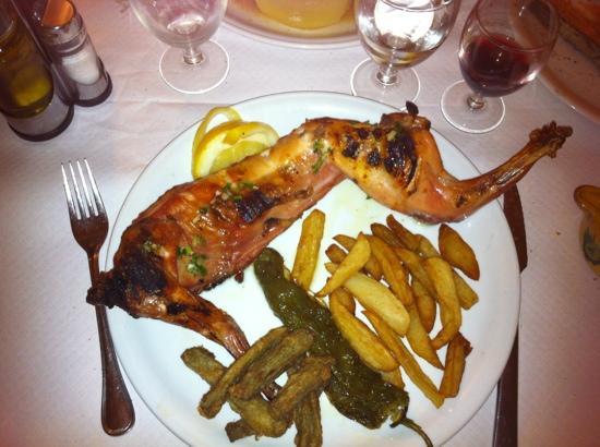 Bar Restaurante La Llesca: coniglio alla griglia !