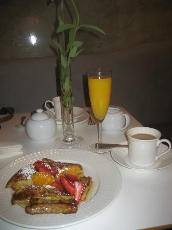 Hotel 1110: Wonderful Breakfast