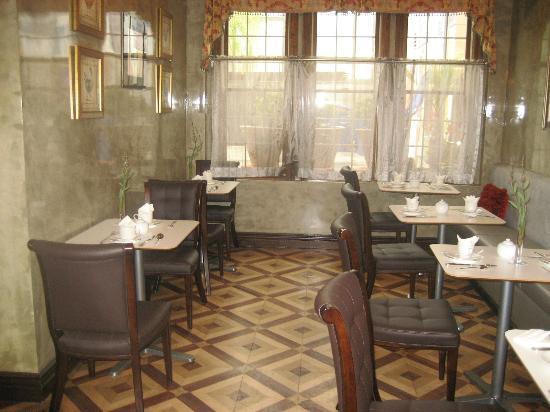 Hotel 1110: Lovely Diningroom