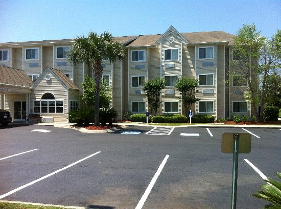 Microtel Inn & Suites by Wyndham Brunswick North: Southern Gem - 100% Non-Smoking Hotel