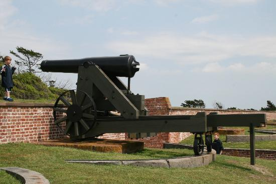Island Inn of Atlantic Beach: Fort Macon a Must See