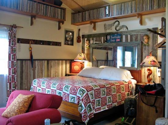 Hanalei Surfboard House: Love Shack baby!
