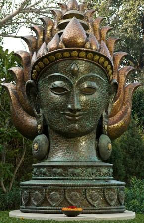The Leela Palace New Delhi: Leela Palace Garden