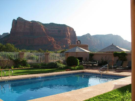 Canyon Villa Bed and Breakfast Inn of Sedona: Pool area