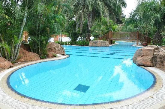 Kampala Serena Hotel: Kampala Serena Pool