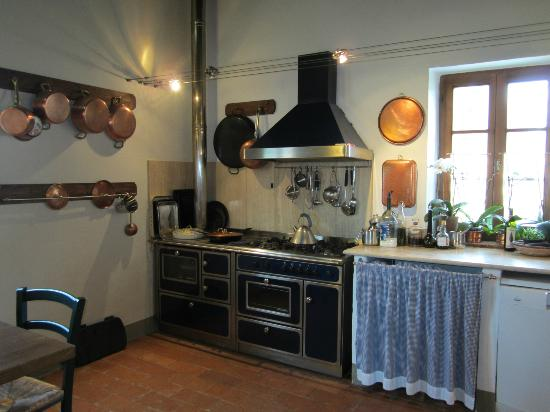 Agriturismo Marciano: Wonderful farm kitchen