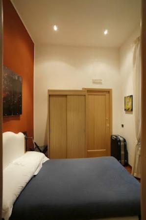 Bed & Breakfast Chiaia 32 : 客室