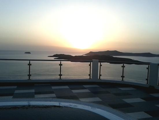 Petit Palace Suites Hotel : Beautiful sunset just for you