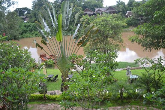 Villa San Pee-Seua: View of garden & river