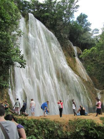 Luxury Bahia Principe Cayo Levantado: El Limon Waterfall
