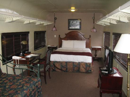 Chattanooga Choo Choo: Train car with queen and trundle beds