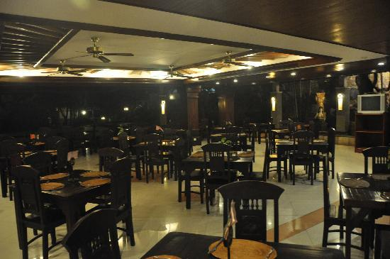 Grand Inna Kuta: The restaurant