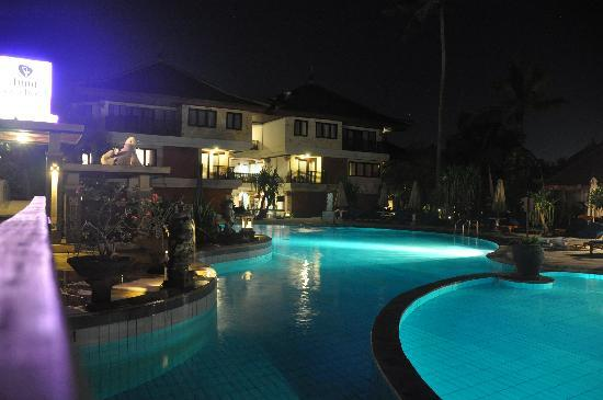 Grand Inna Kuta: The pool