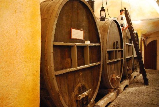 Wine Museum Koutsogiannopoulos: Wine Cellar