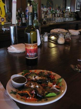 The Vineyard Bistro & Wine Bar: Organic Greens Salads