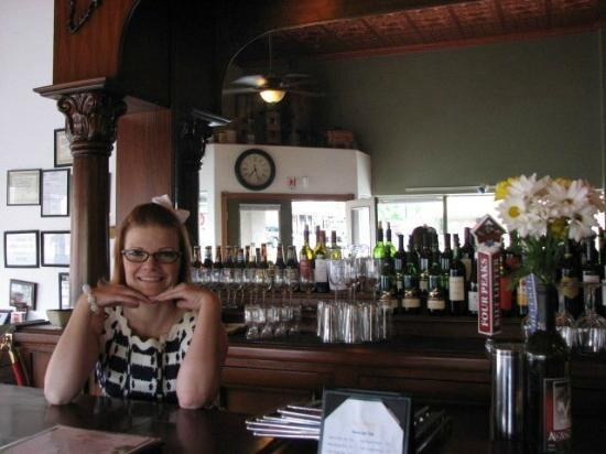 The Vineyard Bistro & Wine Bar: Cute Waitress Rachelle