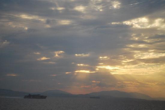 Hellenic Seaways: sunrise