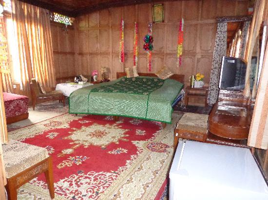 ALIF LAILA GROUP OF HOUSEBOATS (Srinagar, Kashmir) - Lodge
