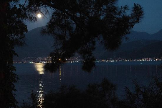 Letoonia Club & Hotel : full moon from our table in Moonlight restaurant