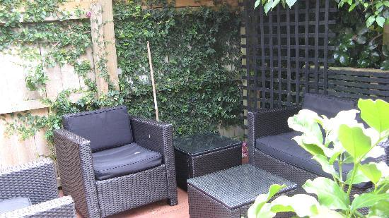 The Red Monkey Travellers' Lodge: Rattan Outside Setting