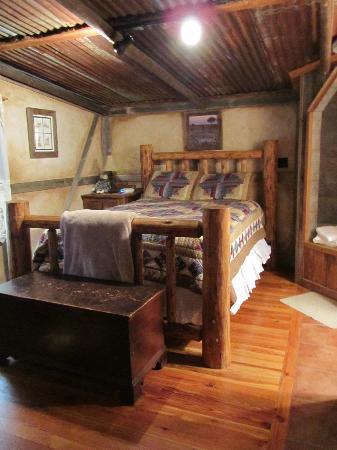 Cotton Gin Village: The big ol comfy bed