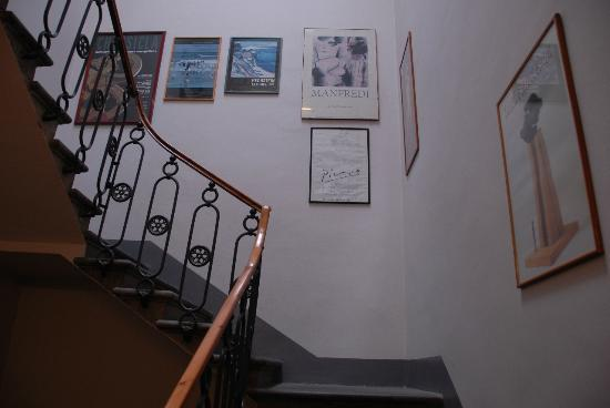 Hotel Nuova Italia: More stairs decorations