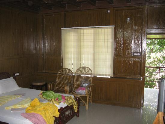 Sumangali Tourist Home: Rooftop room