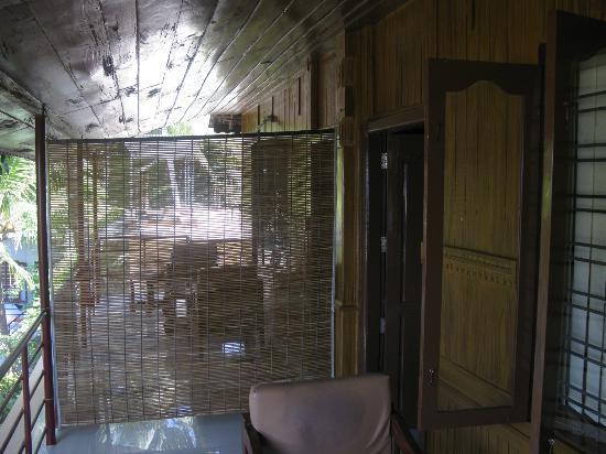 Sumangali Tourist Home: Balcony