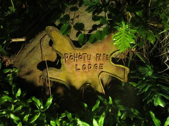 Rohotu Fare: Rohotu sign at night