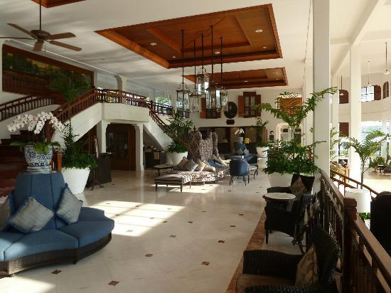 Centara Grand Beach Resort & Villas Hua Hin: Hotel lobby