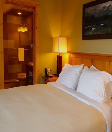 Gallatin River Lodge: Trout Cabin Lodge Room