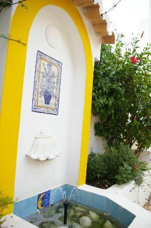 Rio Arade Manor House: Fuente