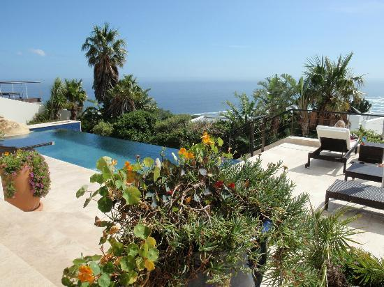 Atlanticview Cape Town Boutique Hotel: Pool with a view