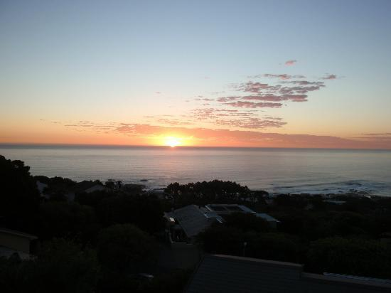 Atlanticview Cape Town Boutique Hotel: Beautiful sunset