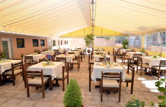 Hotel Olympion: breakfast