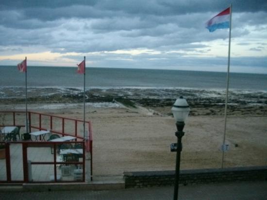 Le Clos Normand: Seulement le bruit de la mer