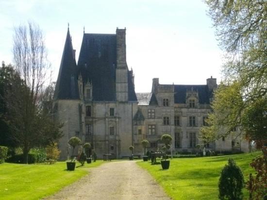 Le Clos Normand: Chateau de Fontaine-Henry