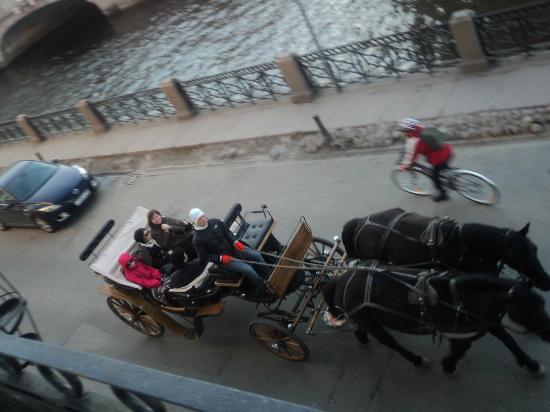 Pushka Inn Hotel: Разнообразие транспорта:)