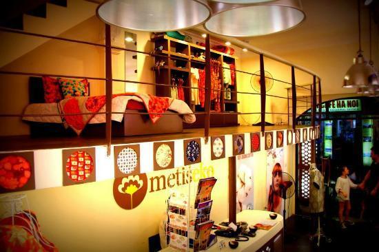 Metiseko : Children corner and showroom : Mezzanine
