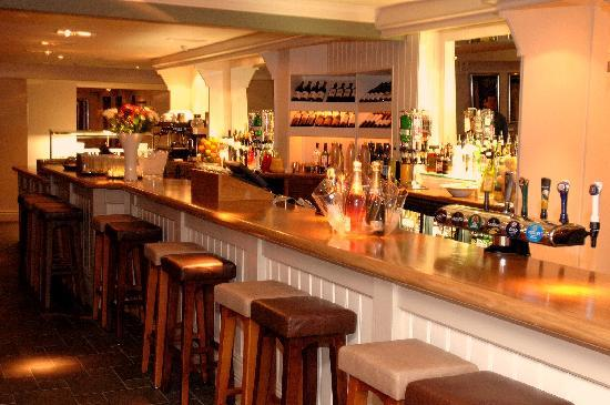 The White Horse: The Bar