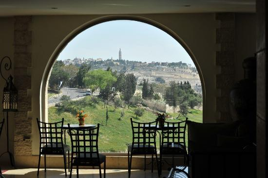 Mount Zion Hotel: View from lobby