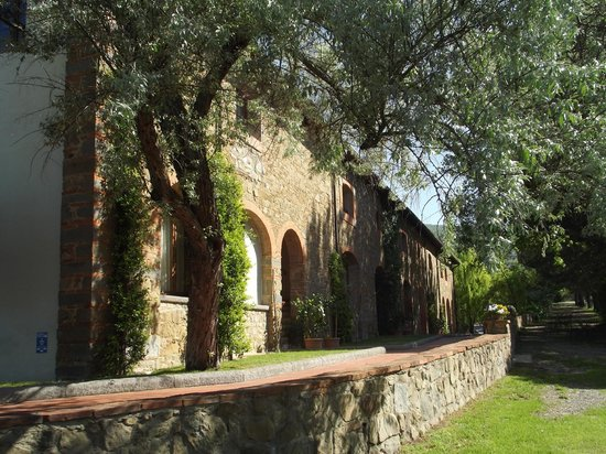 Antico Borgo Poggitazzi: Side of Farmhouse