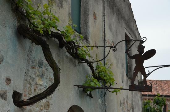 Arqua Petrarca, Italia: in piazza