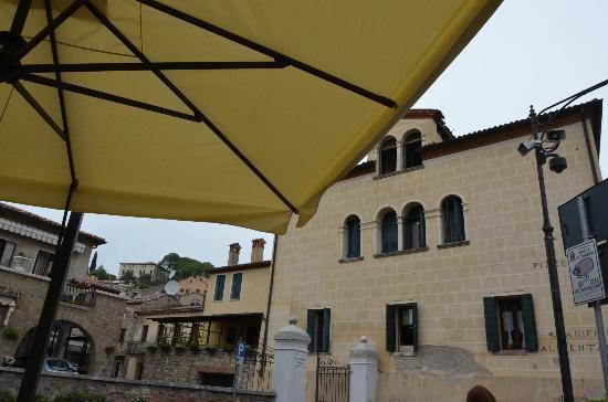 Arqua Petrarca, Italien: dal nostro tavolo